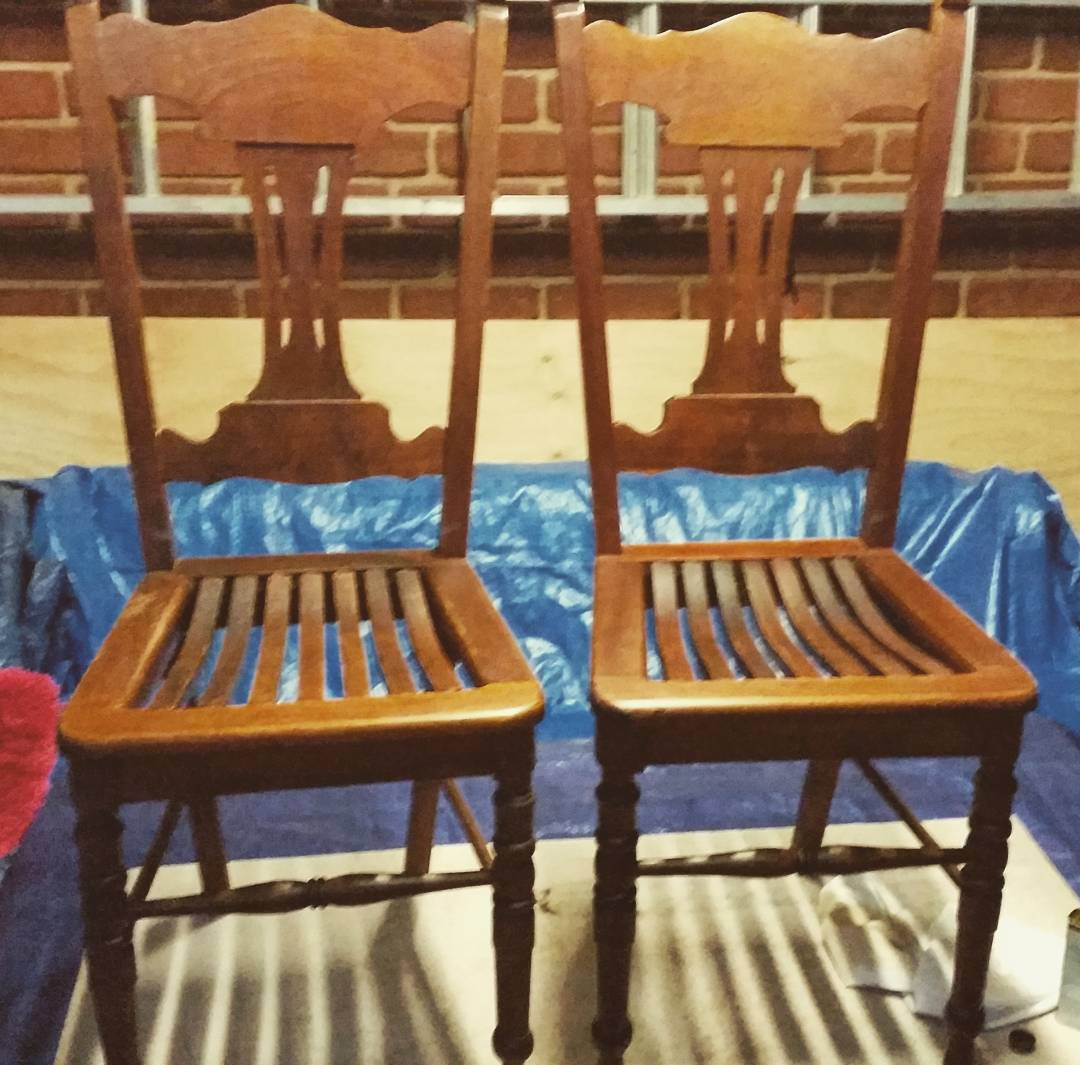 A pair of old oak chairs from a deceased estate a bargain at $25 each. #saw #chairs